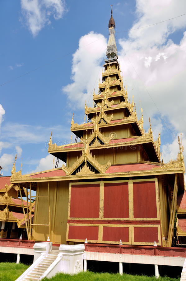 Mandalay Palace arkivbilder