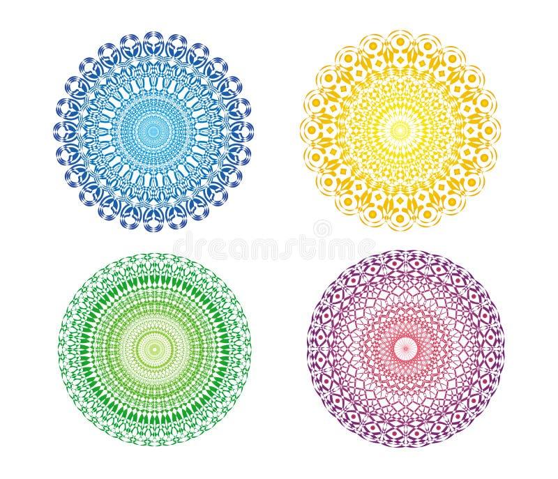 4 mandale in 4 colori Ornamento circolare variopinto Openwork con il simbolo ohm/di Aum/OM Giallo, arancio, blu, verde, rosso, po royalty illustrazione gratis