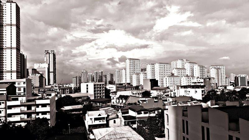 Mandaluyong Skyline, Filipinas - ciudad urbanizada en Metro Manila, Filipinas imagenes de archivo