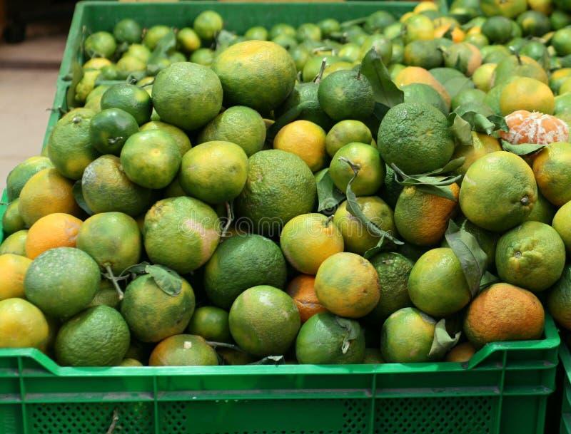 Mandarinas en el mercado en Ankara en la caída fotos de archivo
