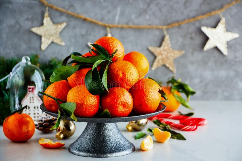 Mandarinas y la Navidad fotografía de archivo libre de regalías