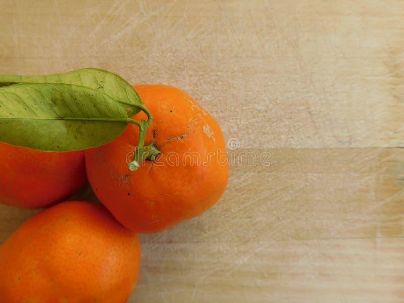 Mandariner i köket royaltyfria bilder