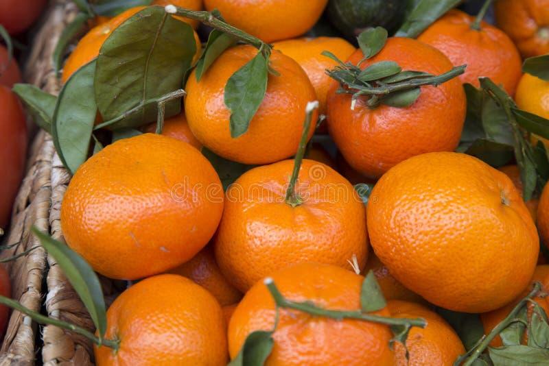 Mandarini sulla stalla del mercato, Maiorca fotografia stock