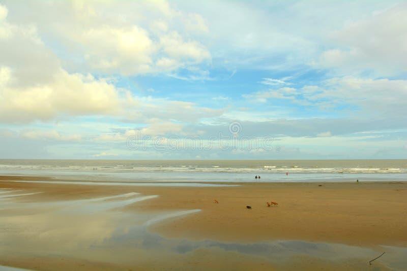 MANDARMANI SEA BEACH, BAIE DE BENGAL, INDE images stock