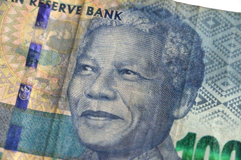 Mandela på ett södra - afrikan hundra randanmärkning arkivbild