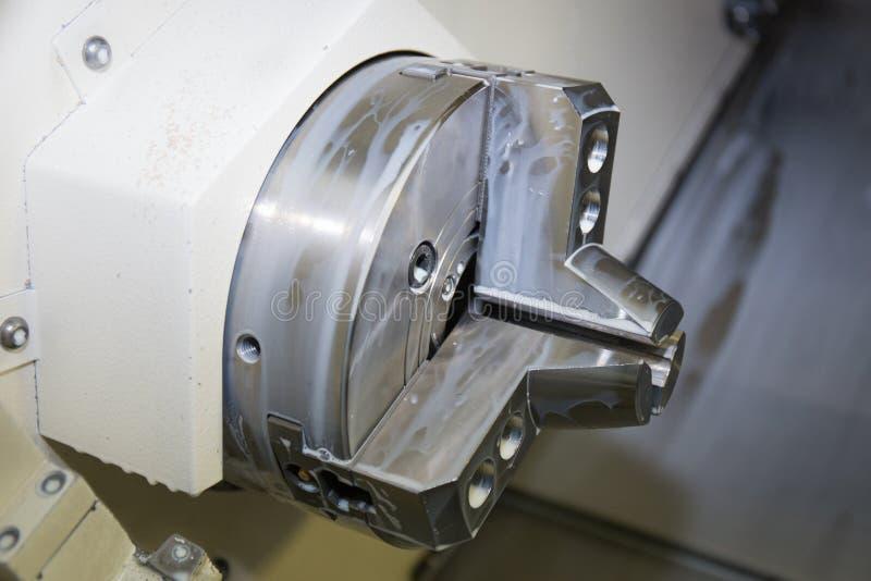 Mandrin 8 hydraulique Tirez de retour la puissance Chuck Fixture est idéal pour l'application de usinage sur la machine de comman images stock