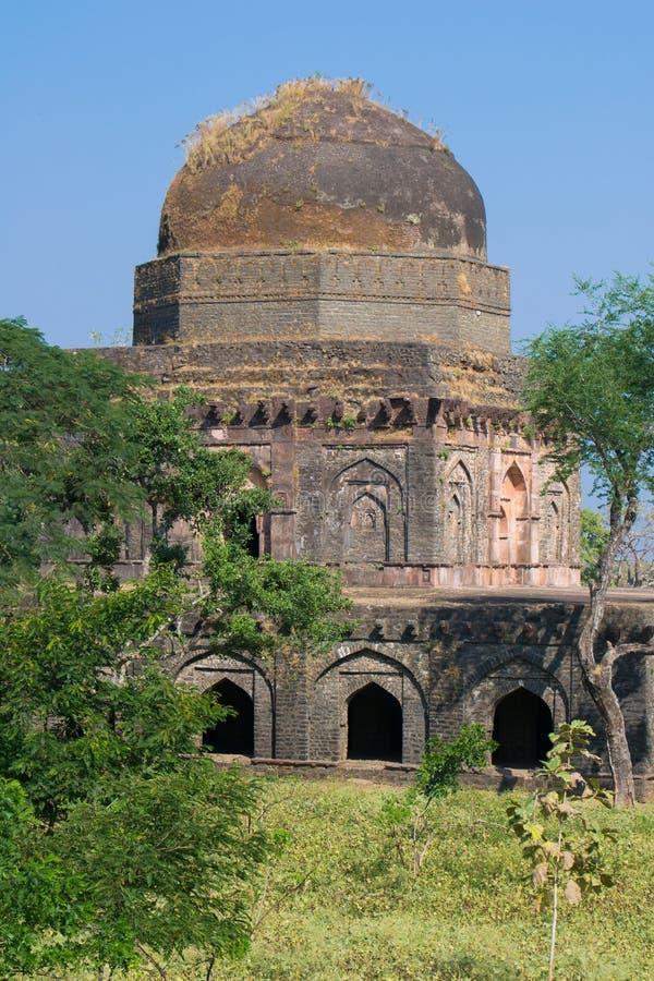 Mandu ή Mandav δύο ιστορικό παλάτι πολυθρυλήτων στοκ εικόνες