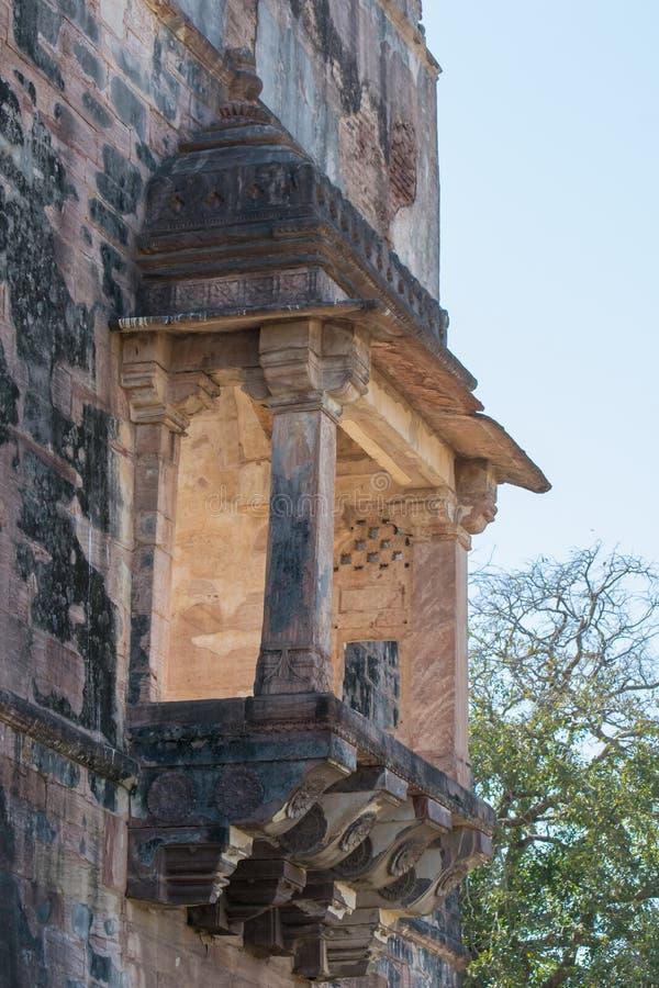 Mandu Antyczna architektura Hindola Mahal i Dekorujący okno obrazy stock