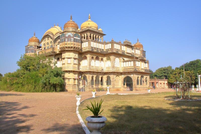 MANDVI GUJARAT, INDIEN - DECEMBER 21, 2013: Vijay Vilas Palace royaltyfri fotografi
