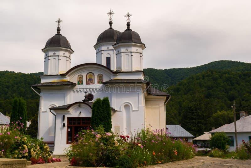 Maneciu Rumunia, Sierpień, - 15, 2018: Piękny obrazek Suzana monaster w Maneciu, Prahova, Rumunia zdjęcia stock