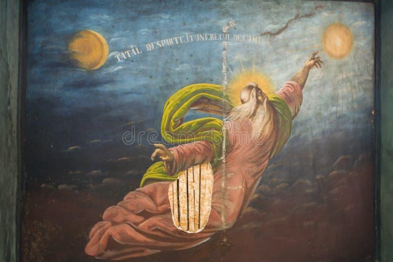 Maneciu Rumunia, Sierpień, - 15, 2018: Zamyka up stary marniejący fresk przy Suzana monasterem w Maneciu, Prahova, Rumunia obrazy royalty free