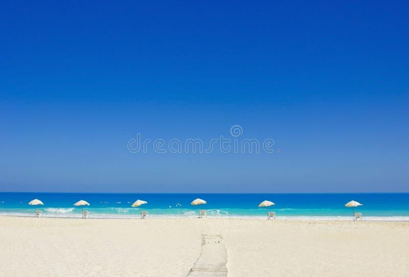 A maneira à praia, Alexandra, Egipto fotografia de stock royalty free
