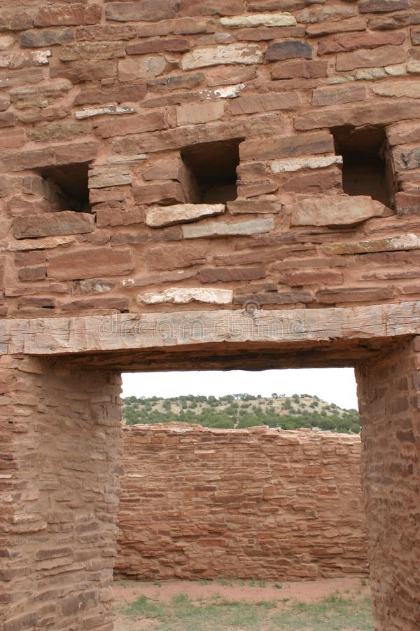 Maneira da entrada, ruínas de Abo Pueblo, New mexico imagem de stock