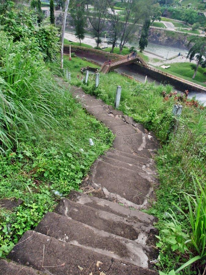 Maneira da escada ao parque fotografia de stock royalty free