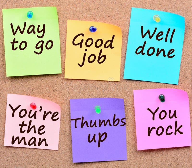 Maneira de ir, bom trabalho, palavras bem cozidos em notas imagem de stock