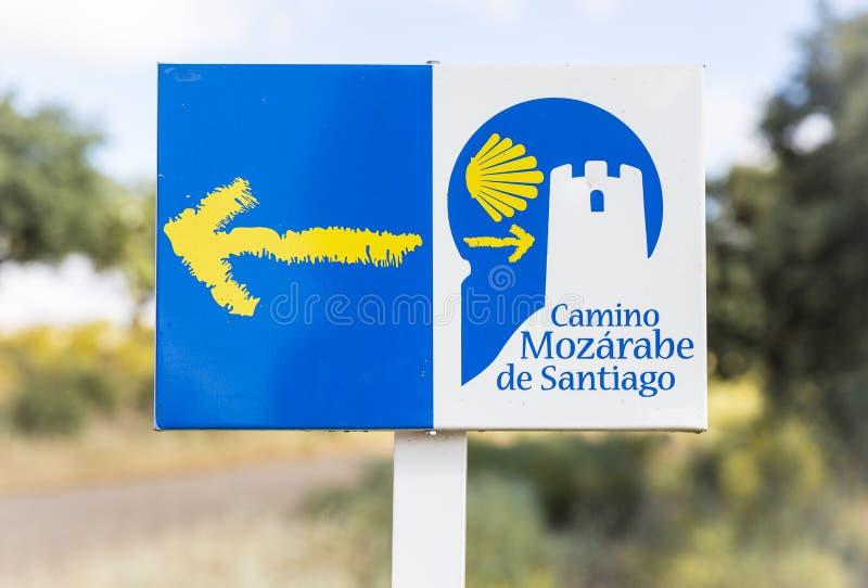 Maneira de letreiro no campo - rabe de Santiago de St James do ¡ de Camino Mozà fotos de stock