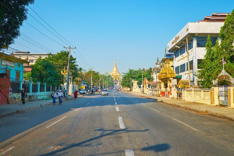 Maneira a Shwedagon, Yangon, Myanmar imagem de stock