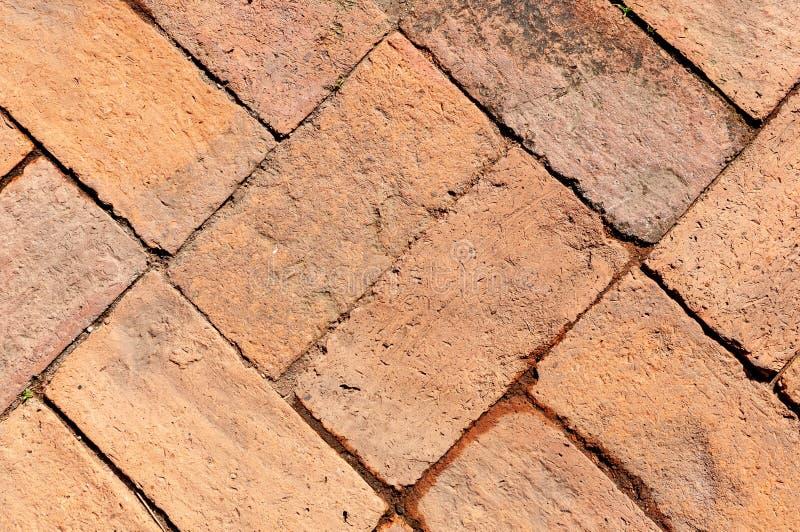 Maneira velha da caminhada do tijolo vermelho foto de stock