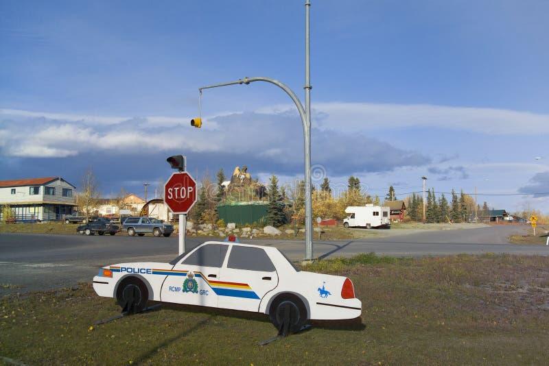 Manequim do carro de polícia, junção de Haines, Yukon, Canadá foto de stock