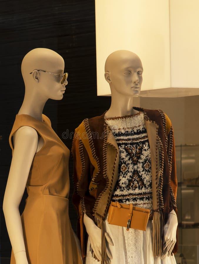Manequins com alta-costura Milão fotografia de stock royalty free