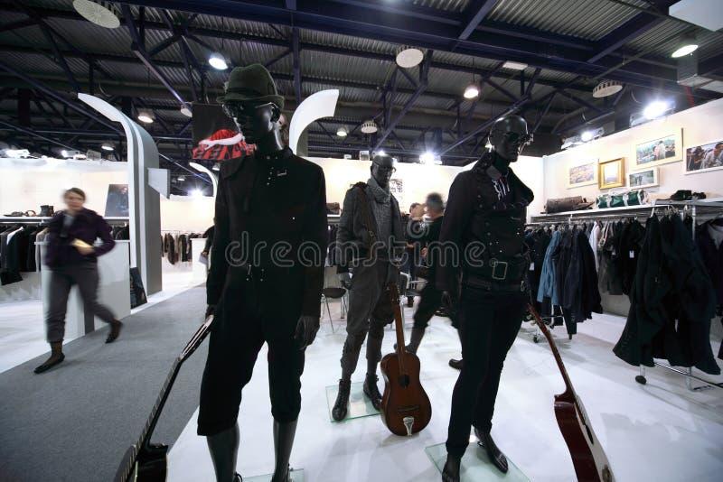 Manequins da exposição na premier da coleção do CPM foto de stock royalty free