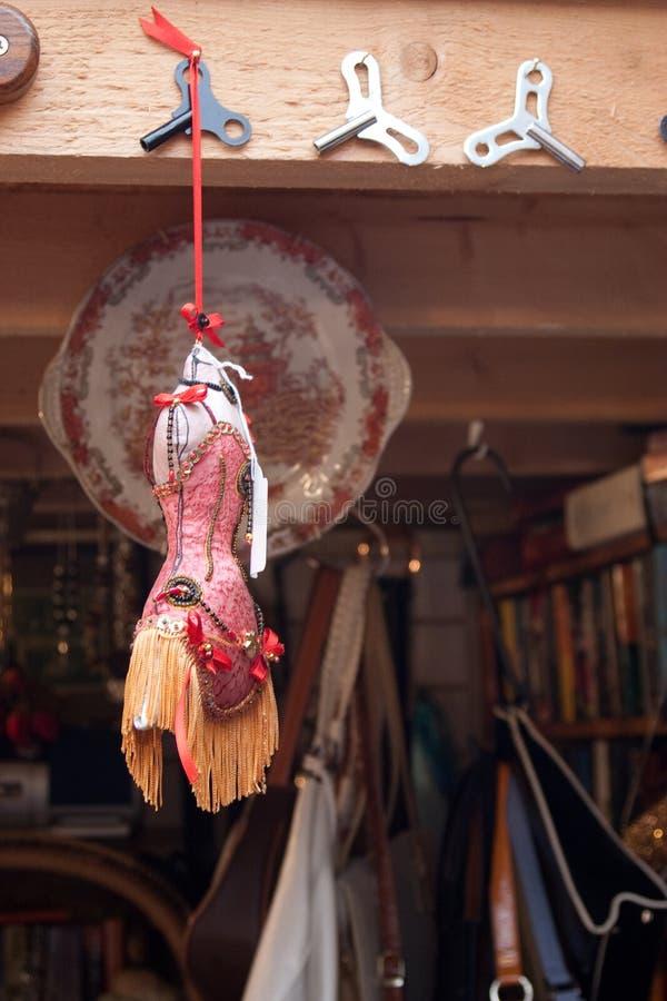 Manequins da forma do vintage da feira da ladra imagens de stock royalty free