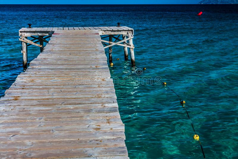 Manera de madera en el mar imagen de archivo libre de regalías