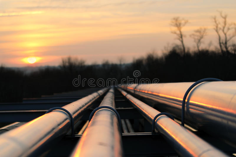 Manera del transporte del oleoducto en continente africano foto de archivo libre de regalías