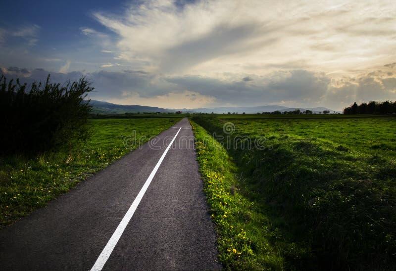 Manera en la distancia más allá del horizonte imagen de archivo libre de regalías