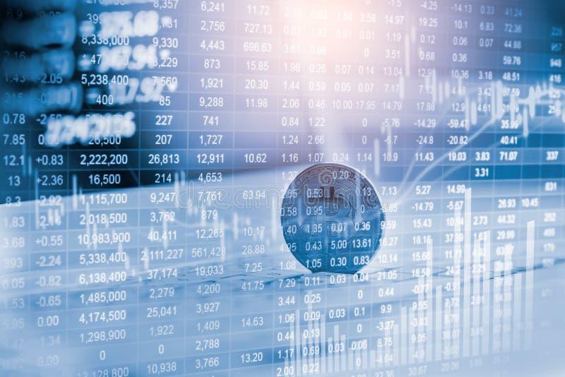 Manera moderna de intercambio Bitcoin es pago conveniente en mercado de la econom?a global Moneda digital virtual e inversi?n fin imagen de archivo