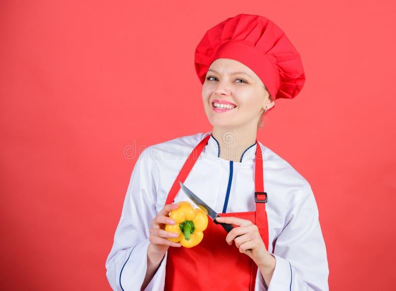 Maneras de tajar la comida como favorable Concepto de las habilidades del cuchillo Elija el cuchillo apropiado Fundamentos culina fotos de archivo
