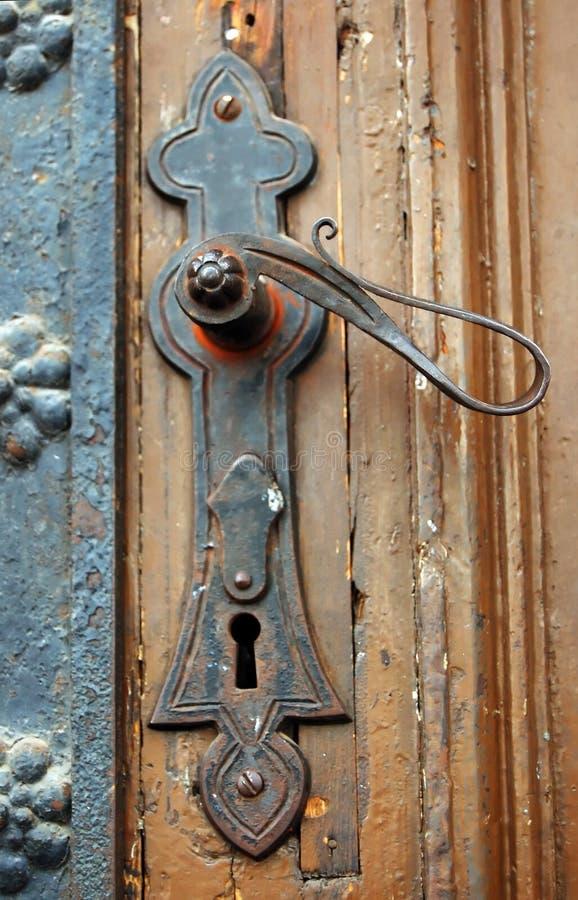 Maneta de puerta oxidada vieja fotografía de archivo
