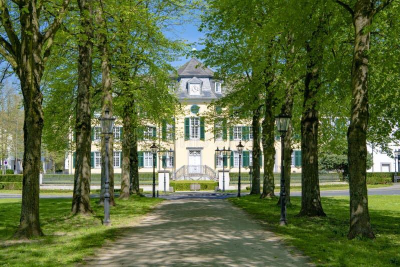 Mangårdsbyggnad av textilfabriken Cromford i Ratingen, Tyskland royaltyfri fotografi