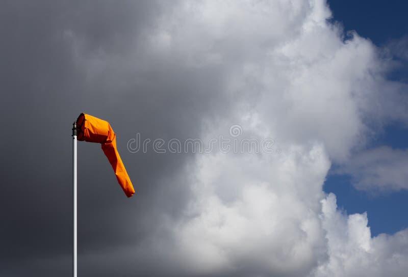 Manga de viento del campo de aviación imagen de archivo