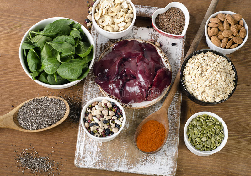 Manganrichfoods äta som är sunt royaltyfri fotografi