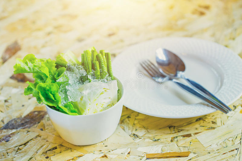 Mangez le légume avec le concept de repas de nourriture photo stock