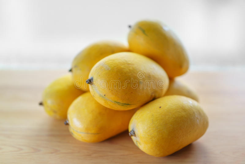 Manggo doce amarelo foto de stock royalty free