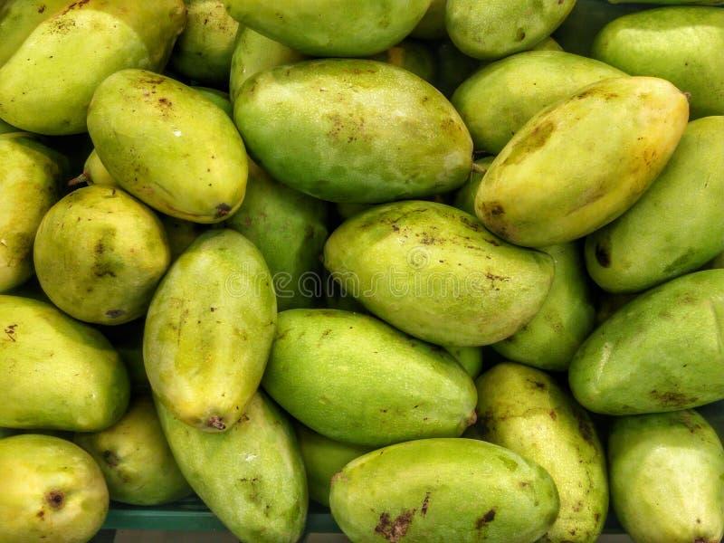 Manghi ~ frutta succosa fotografie stock libere da diritti