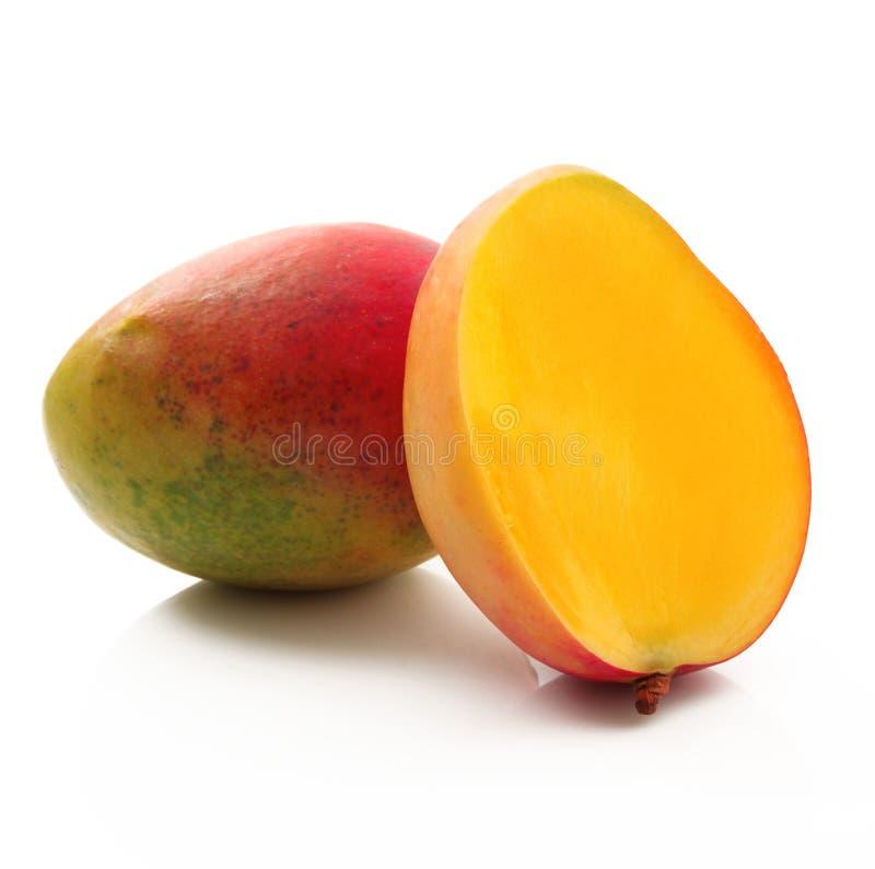 Mango auf weißem Hintergrund lizenzfreie stockfotografie