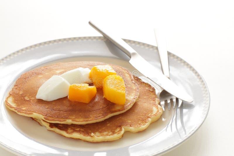 Mango congelato in pancake fotografie stock libere da diritti