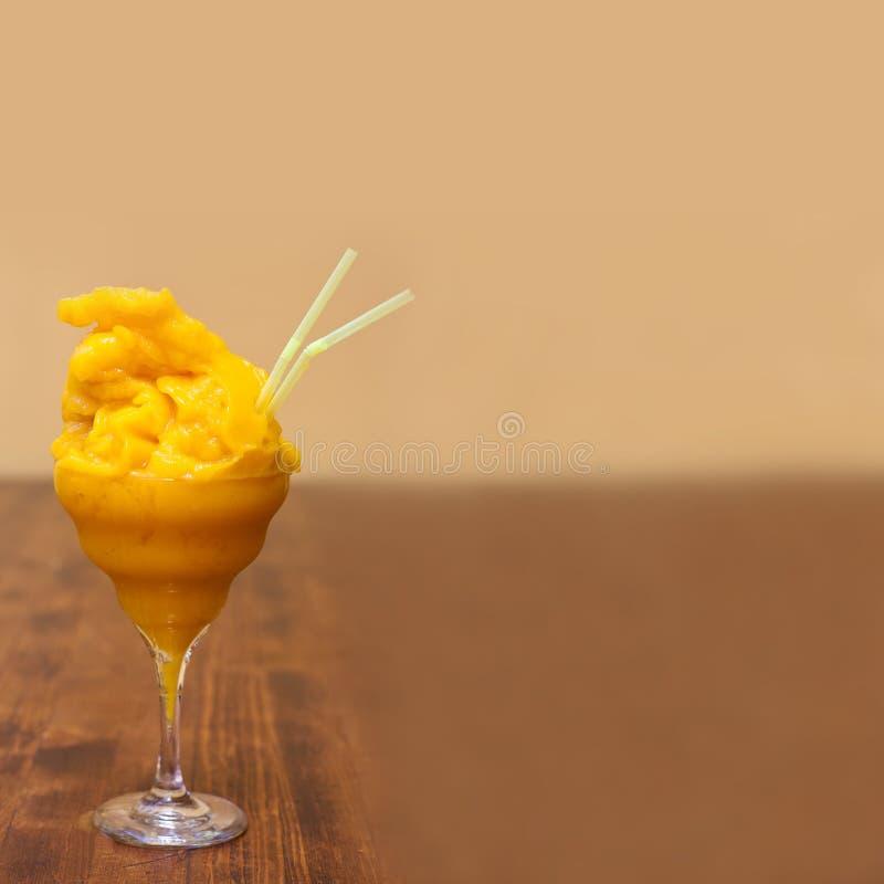 Mango Margaritacocktail Gefrorener Daiquiri mit lizenzfreies stockfoto