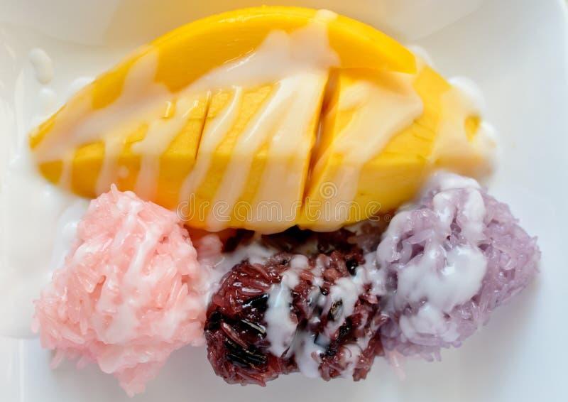 Mango met Kleverige Rijst stock afbeeldingen