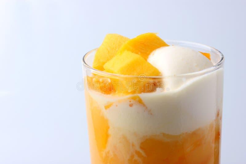 Mango pływakowy sok zdjęcie stock