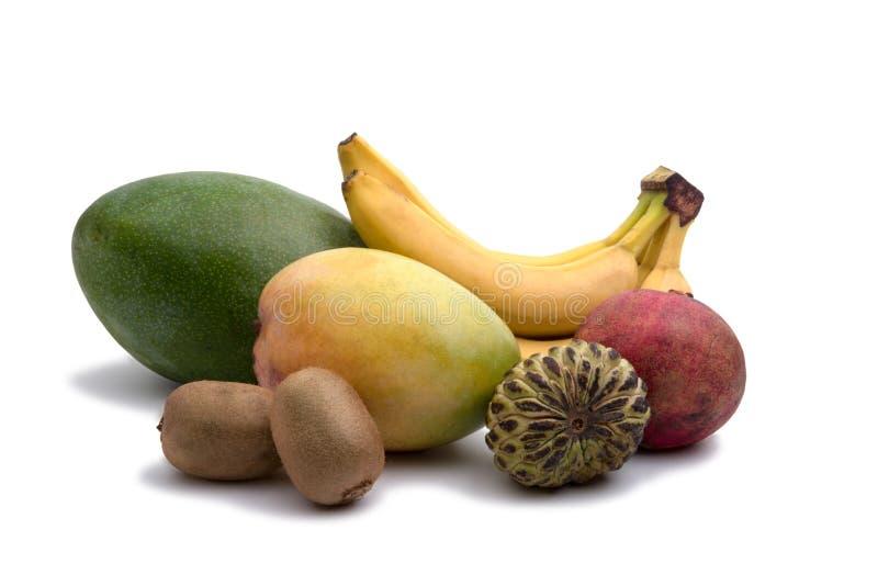 Mango, plátano, kiwi manzana del pomegranat y del azúcar aislada fotos de archivo libres de regalías