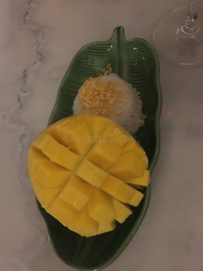 Mango y arroz pegajoso en Chiangmai Tailandia fotos de archivo