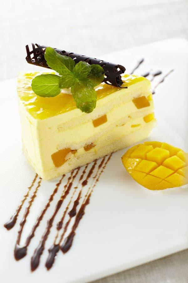 Mangofrucht-Schokoladen-Kuchen stockfotos