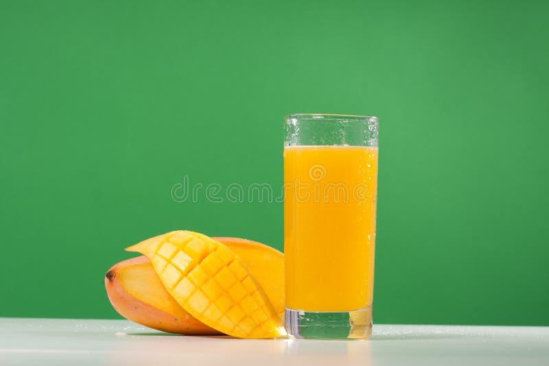 Mangofruchtsaft lizenzfreie stockfotografie