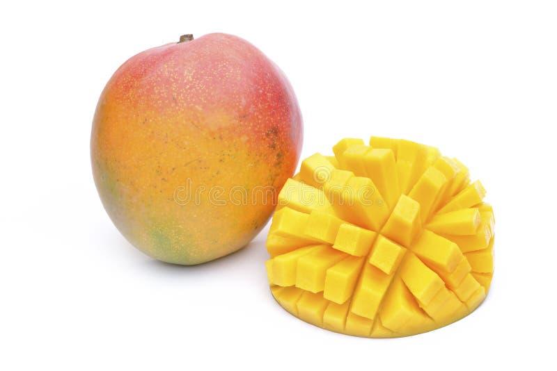 Mangofruit op witte achtergrond wordt geïsoleerd die royalty-vrije stock afbeelding