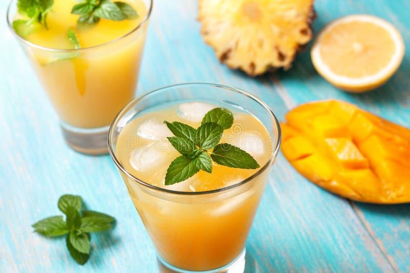 Mangoiste med mintkaramellen fotografering för bildbyråer