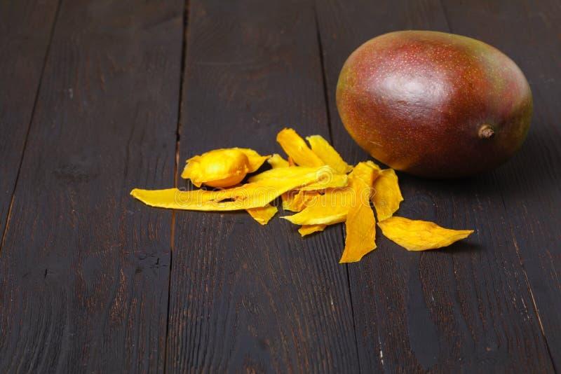 mangopflaume trockene Mango auf dem Hintergrund lizenzfreies stockfoto